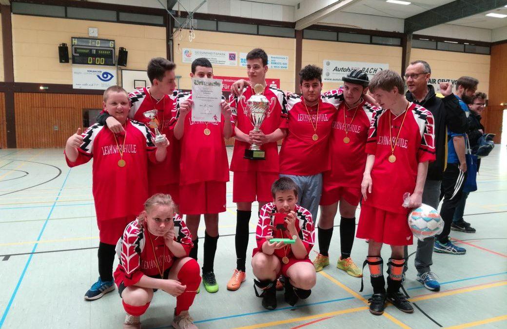 Fußballturnier in Bernkastel – 1. Platz für die Mannschaft der Levana-Schule